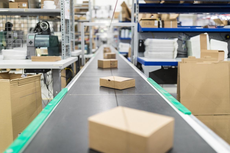 Jak przechowywać opakowania kartonowe?